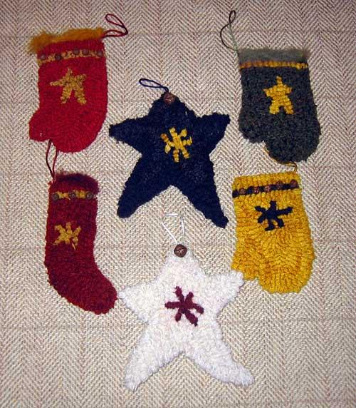 "4"" Hooked Christmas Ornaments (Set of 6) Kit & Pattern"